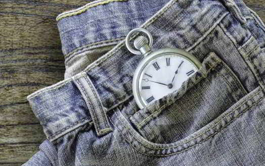 जीन्स में 'लिटिल पॉकेट' क्यों रखी जाती है Why are little pockets in jeans in hindi