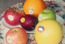 फलों पर लगे स्टीकर का क्या मतलब होता है